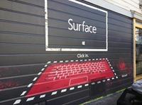 多图 - 新一批 Surface 平板街头涂鸦、海报广告