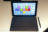 Engadget 也有发布 Surface Pro 简单体验上手相册
