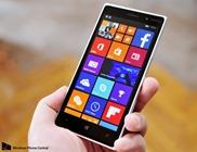 Lumia_830_hand_left_lede